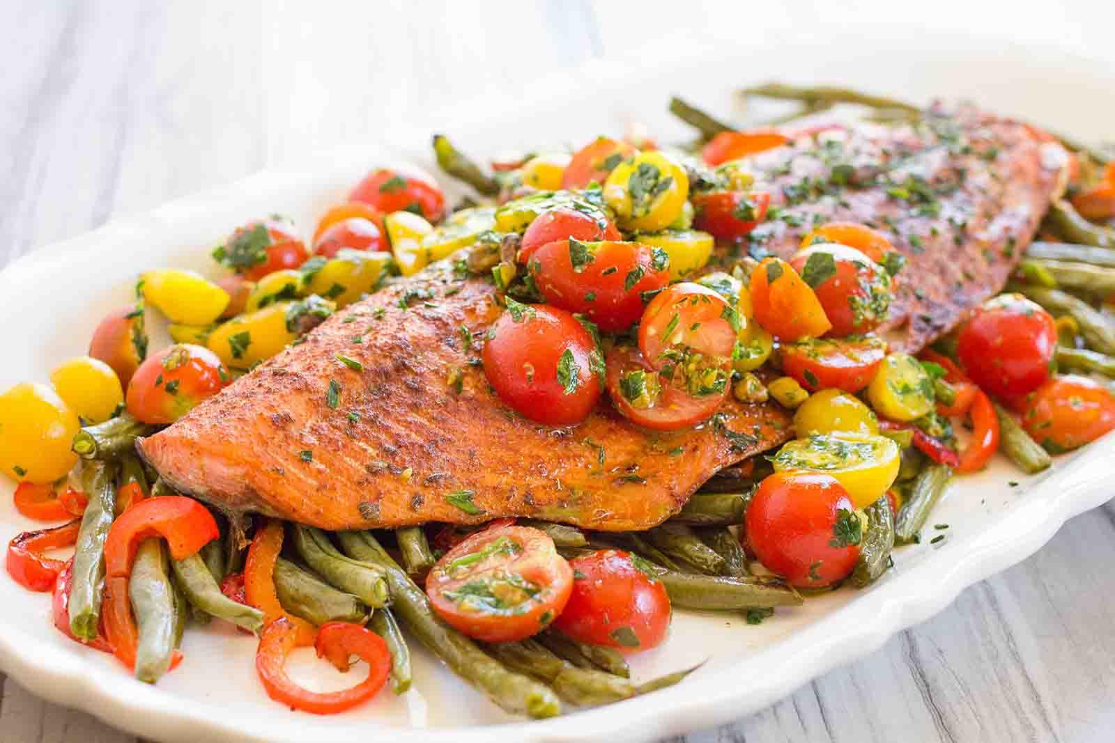 Single Pan Roasted Salmon Amp Vegetables Vibe Ride